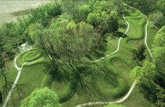 Great Serpent Mound  Adams County, southern Ohio. Mississippian (Eastern Woodlands). c. 1070 C.E. Earthwork/effigy mound