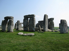 Title/ Designation: Stongehenge Artist/Culture: Wiltshire, UK, Neolithic Europe Date of Creation: 2,500-1,600 BCE Materials: Sandstone, sarcen, bluestone